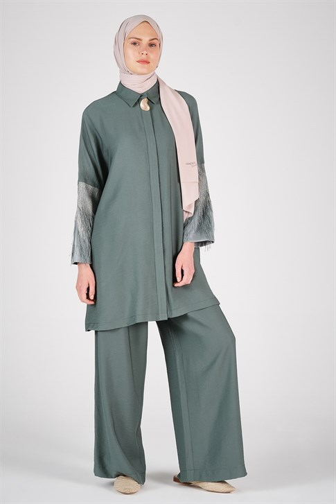Armine Arm Tasseled Suit Pine Green 20Y6130